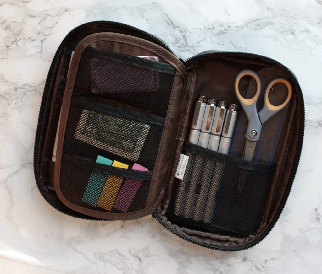 my favorite pen case for taking sketchnotes in class